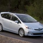 Toyota-Prius_V_2012_4