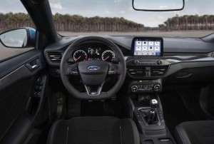 Ford-Focus-ST-2019-3