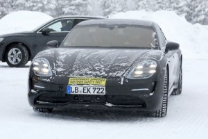 Porsche-Taycan-EV-Spied-1