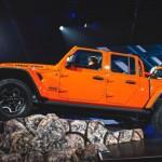2020-Jeep-Gladiator-Pickup-2